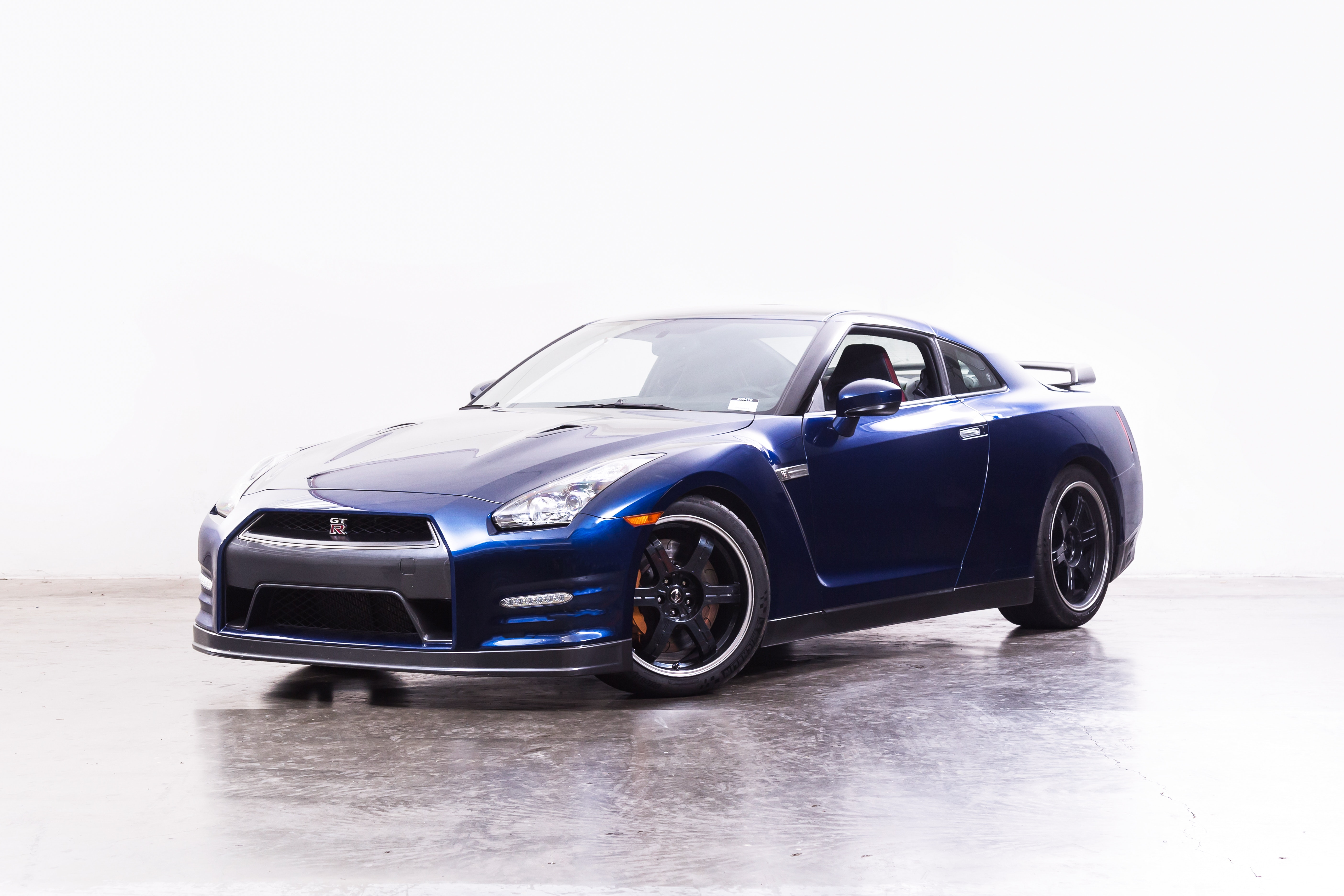 Buy A Used 2014 Nissan GT R Black Edition | Shift